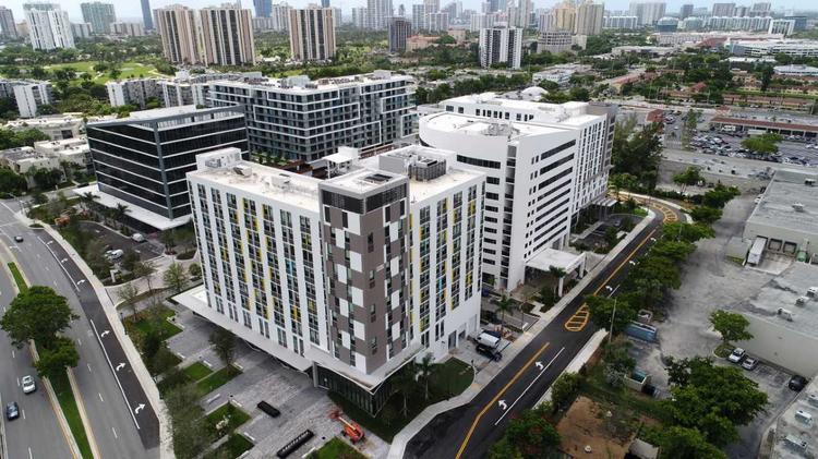 Apartment in Oceania Building